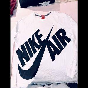 Nike air sweater. Same logo on back xxl